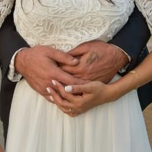 כלה וחתן בצילומי חוץ